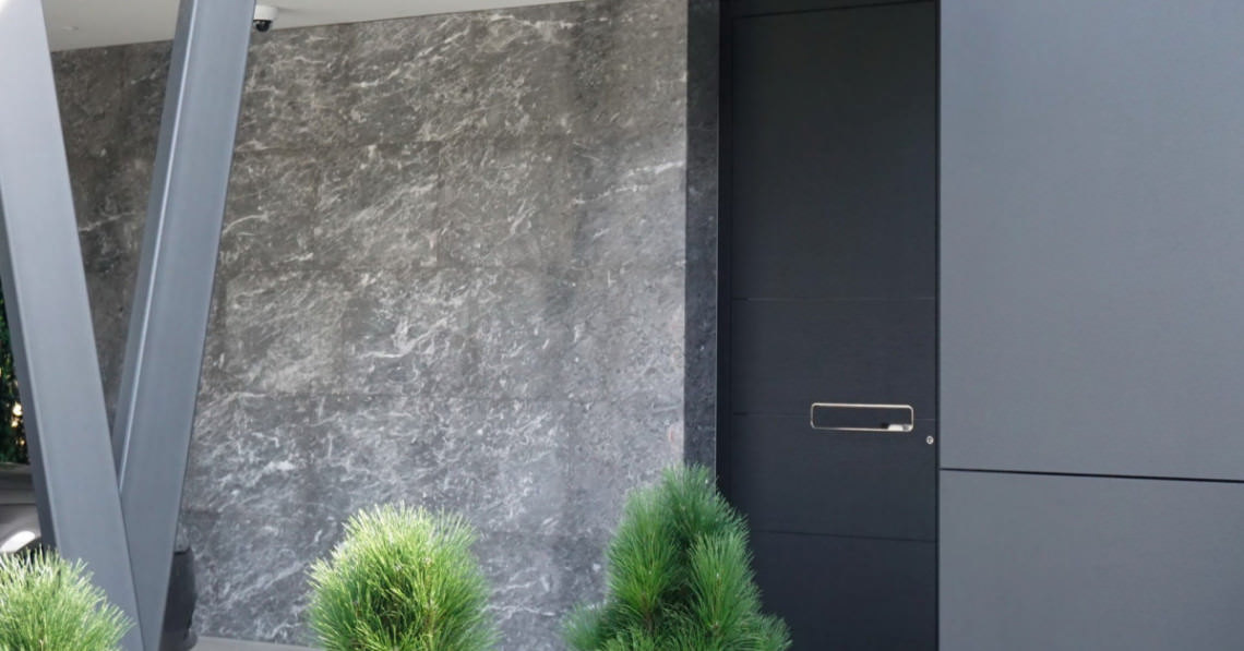 How much can you save with well-insulated entry doors? | Pirnar